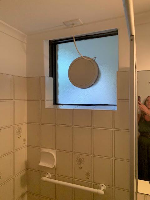 Washroom tles
